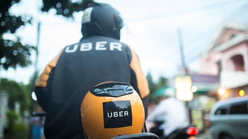 Uber lança viagens com moto em mais 17 cidades do país